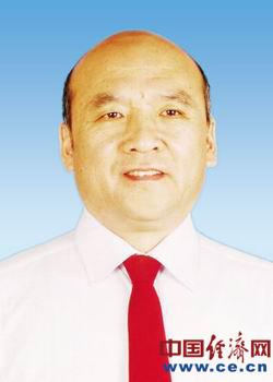 呼和浩特市新一届政协主席、副主席、秘书长简